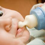 哺乳瓶を嫌がる0歳9カ月が保育園で克服!その経過と考察