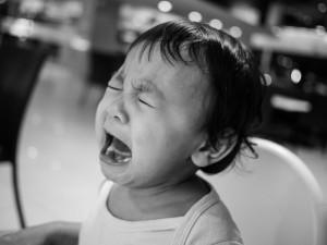 子ども泣き顔