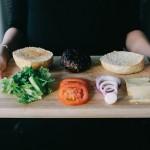 モラハラ夫は食事にうるさいのが特徴。その理由と対処法は?